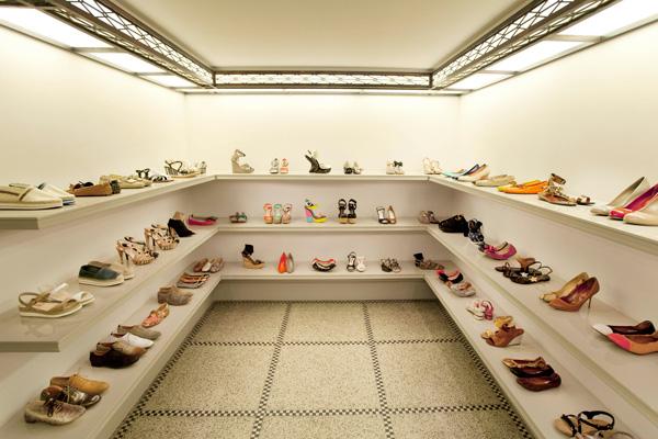 Coccodrillo shoe store